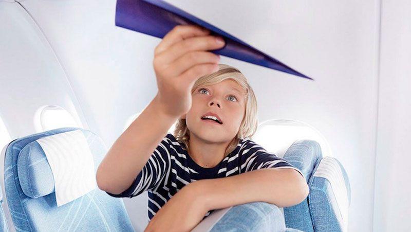 Ребенок может летать без присутствия родителей