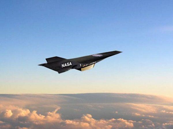 Беспилотник Х-43А компании NASA – занимает первую позицию в гиперзвуковой группе. Он способен преодолевать дистанцию в 11231 километров за один час.