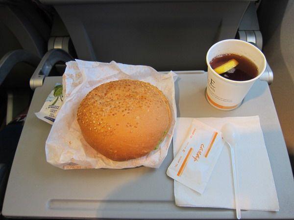 Питание на рейсах зависит от длительности перелета