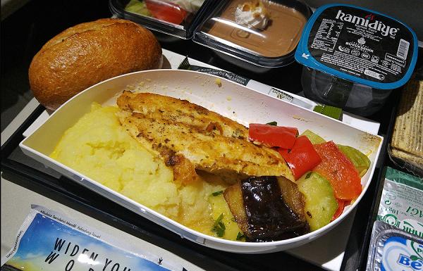 Питание в самолетах перевозчика на высоком уровне