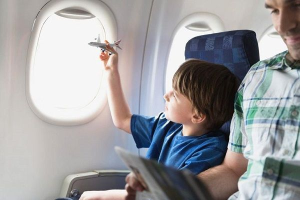 Ребенок в самолете скучать не будет