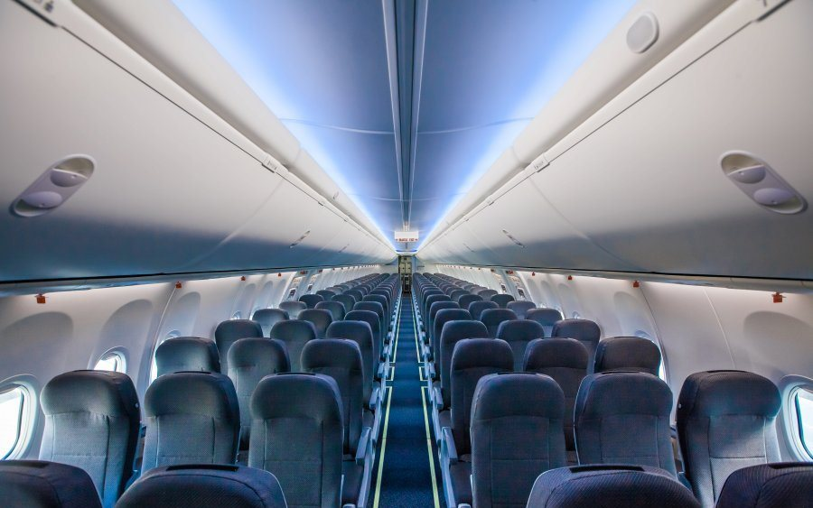 В салоне самолёта