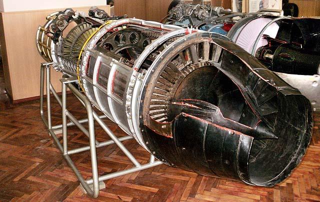 Строение и внешний вид первого турбореактивного двигателя ТР-1