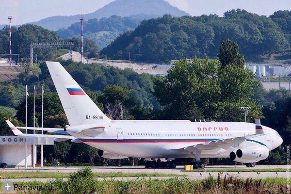 Ил-96-300ПУ в аэропорту Сочи