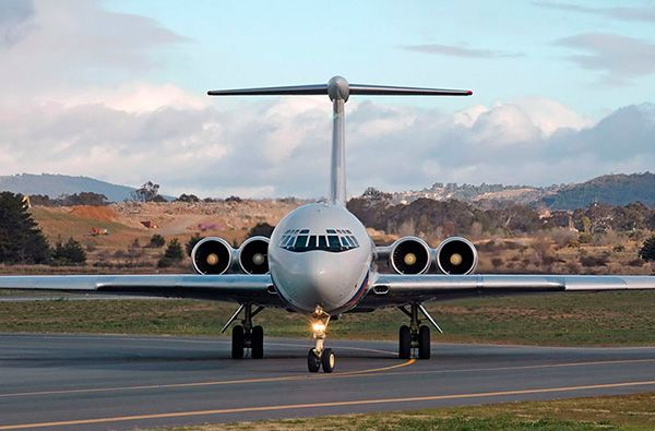 Внешний вид реактивного самолета