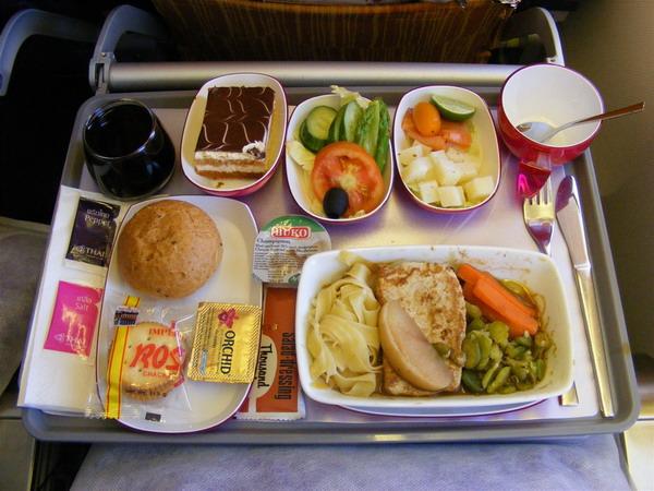 Бортовое питание отличается разнообразием