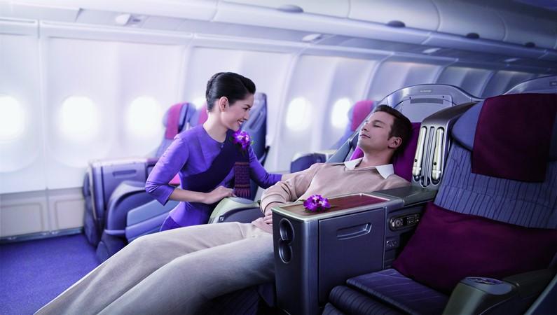 Пассажиры первого и бизнес-класса путешествуют в комфортных условиях