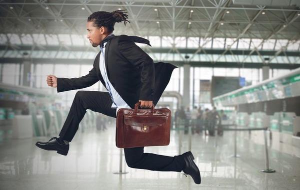 Чтобы не опоздать на самолет