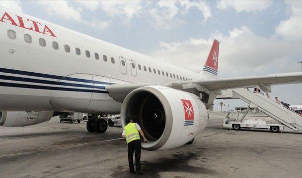 Технический осмотр самолета перед полетом