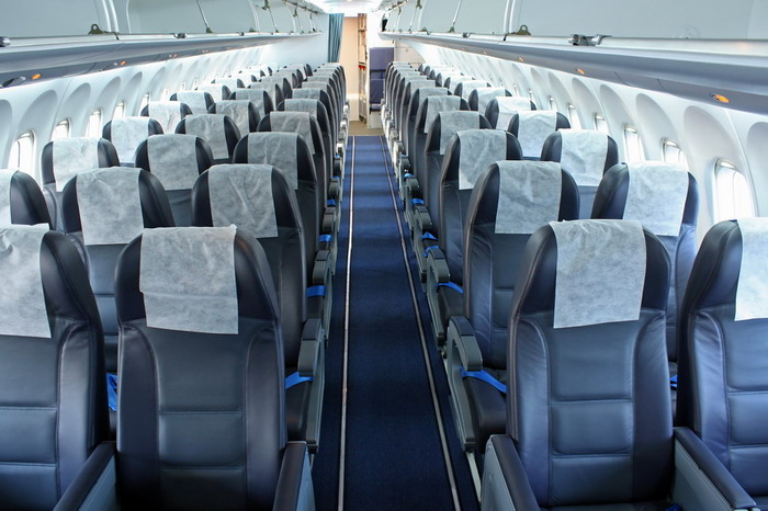 Салон пассажирского самолета Ан-148 авиакомпании Ангара