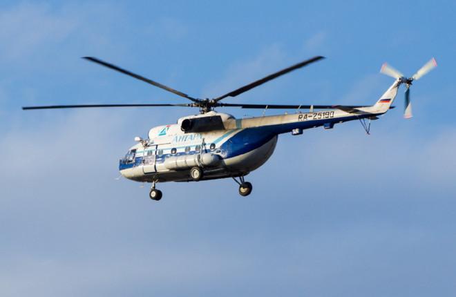 Вертолет авиакомпании Ангара Ми-8 во время полета