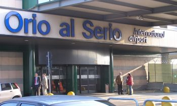 Вход в аэропорт Орио аль Серио