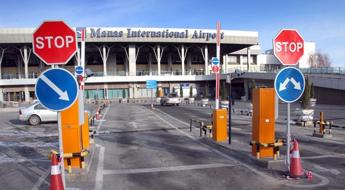 Въезд на платную парковку аэропорта Манас