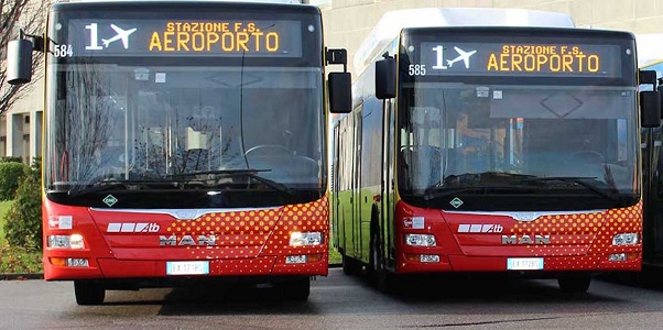 Автобус №1, курсирующий между г. Бергамо и аэропортом