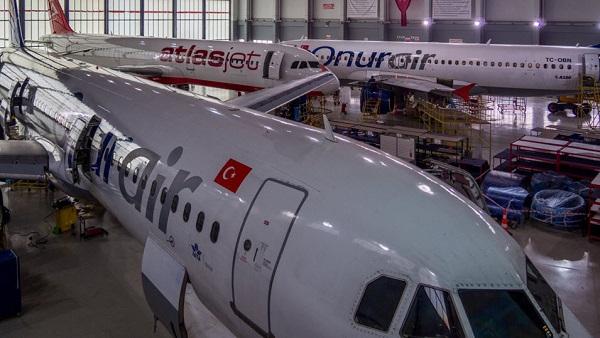 Самолёты на техобслуживании