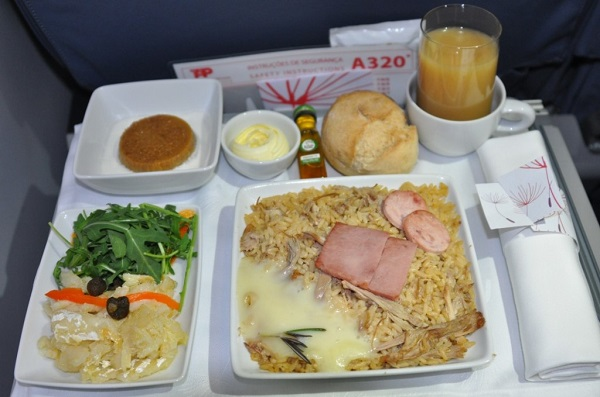 Стандартный обед на борту
