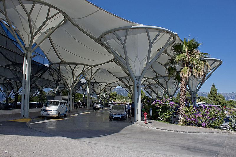 Фасад аэропорта Сплит