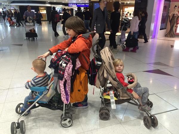 Полет с детской коляской