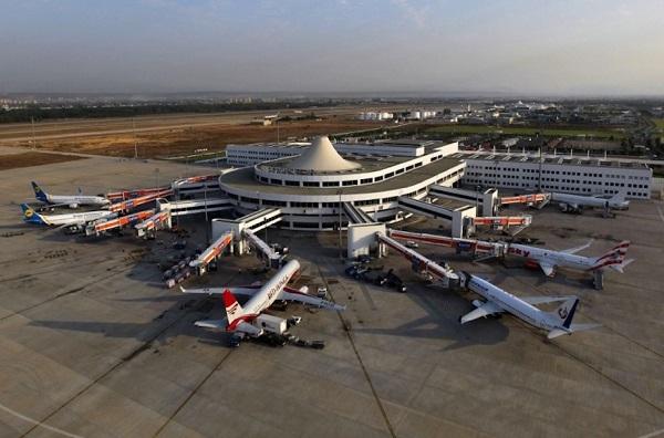 Самолеты в аэропорту Анталия