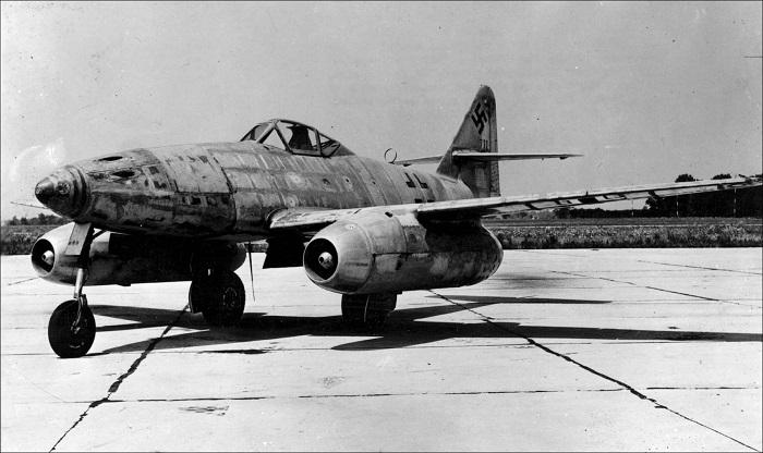 Немецкий Ме-262 готовится к первому вылету