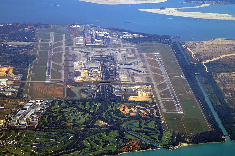 Взлет – посадка в аэропорту происходит со стороны моря