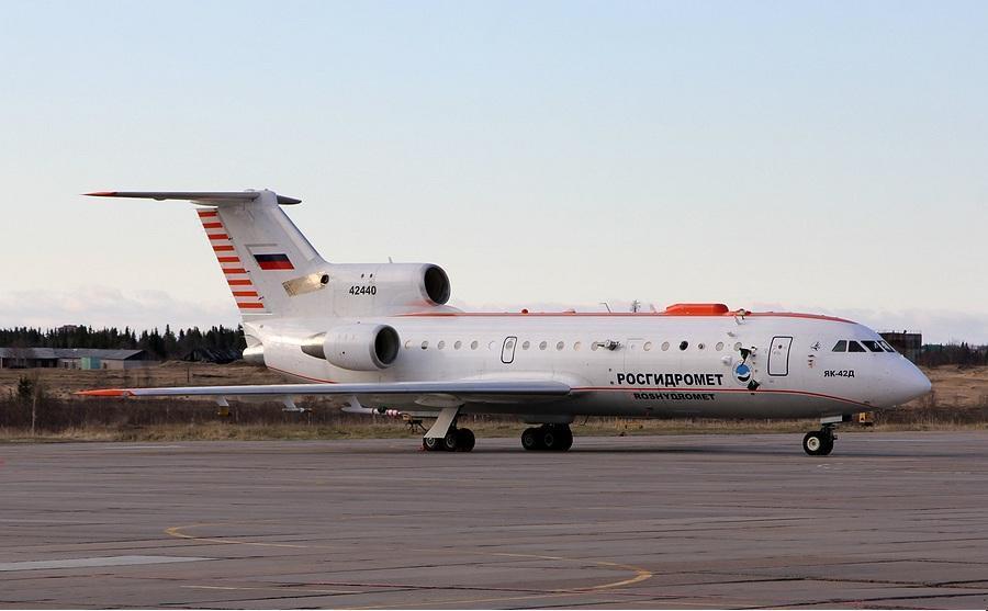 Нарьян-Мар принимает самолеты различных ведомств