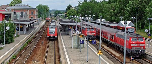 Поезд из Меммингена в Мюнхен приходит каждый час