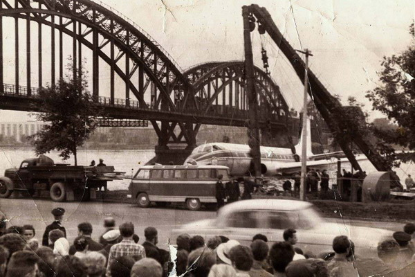 Аварийная посадка на Неве 1963 г.