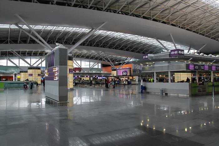 Аэропорт Жуляны: зал ожидания