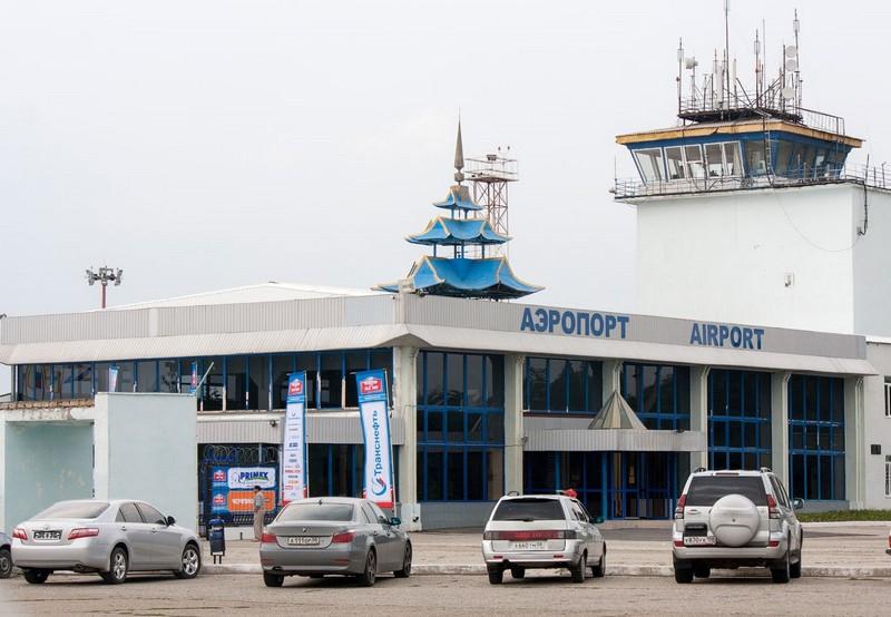 Аэропорт Элиста в Калмыкии, вид снаружи