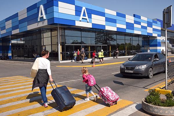 Аэропорт Симферополь: как выглядит терминал А снаружи