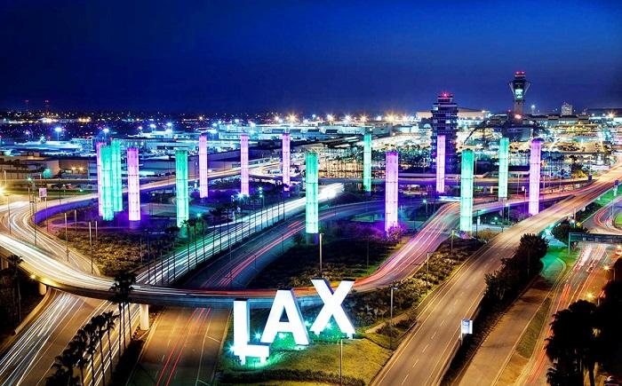 Ночной воздушный порт Лос-Анджелеса
