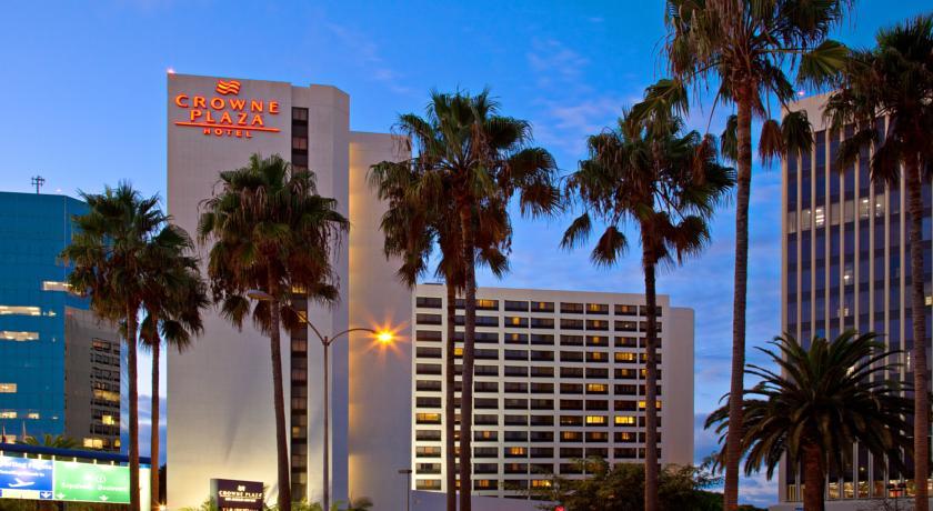 Отель Crowne Plaza Hotel Los Angeles Airport на территории аэропорта