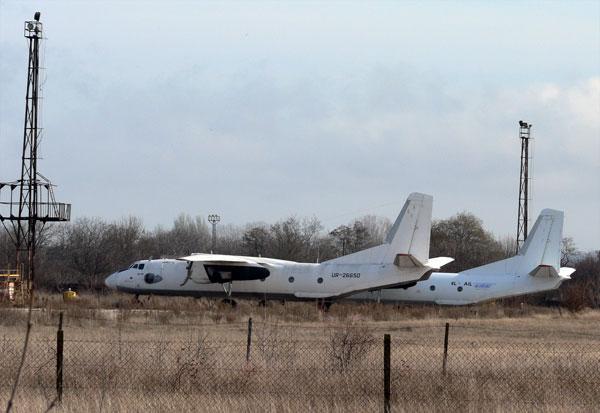 Самолеты в аэропорту Керчь