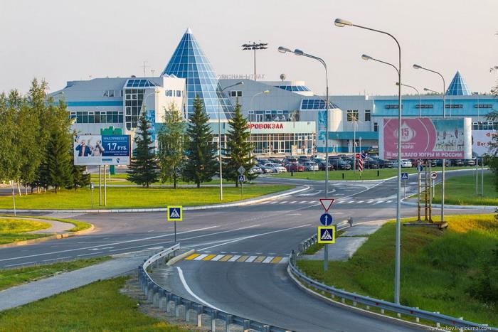 Здание аэропорта Ханты-Мансийск