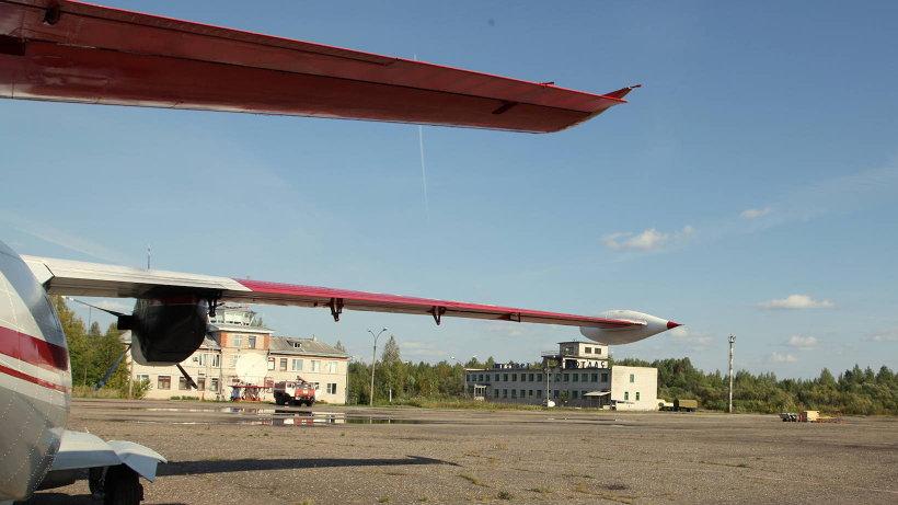 Самолет в аэропорту Котлас