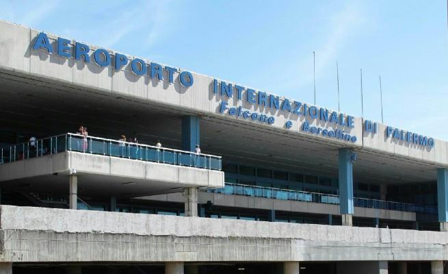 Вход в воздушный порт Палермо
