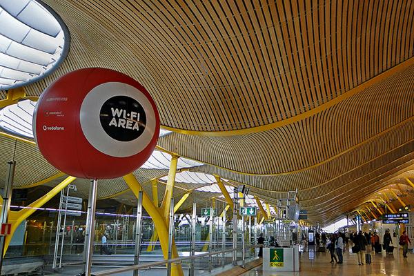 Интернет зона внутри аэропорта в Мадриде