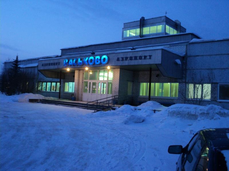 Здание Васьково ночью