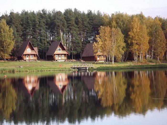 """Как выглядит территория парка-отеля """"Берендеевка"""""""