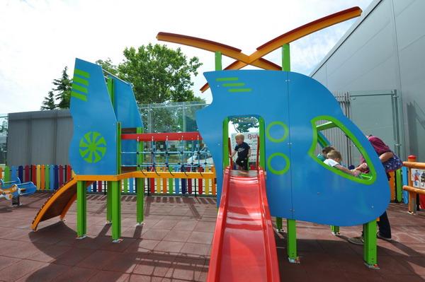 Детская площадка в аэропорту Бургаса