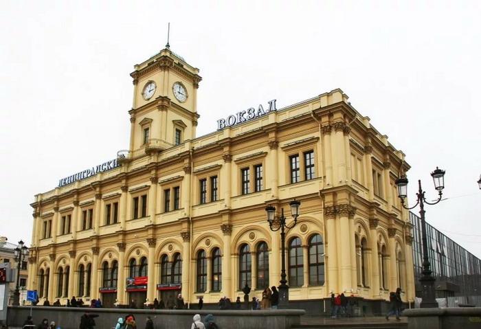 Ленинградский вокзал, вид снаружи
