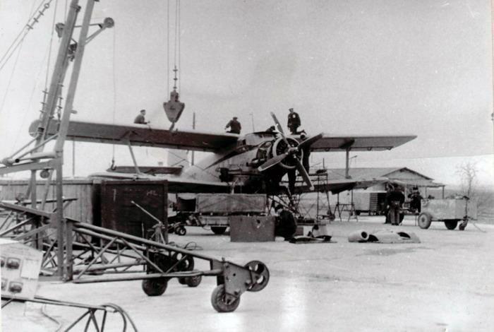 Такими были первые самолеты старого аэропорта