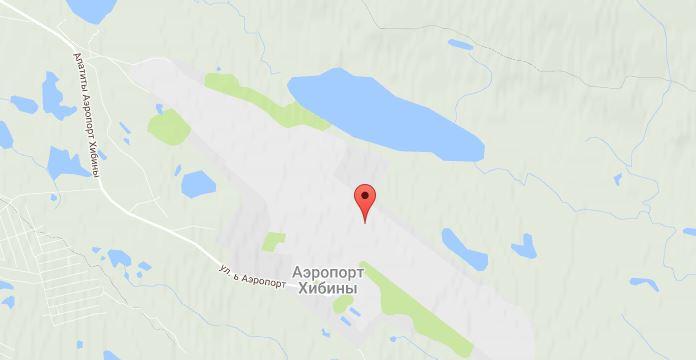 Расположение аэропорта удобно тем, что до него можно без проблем добраться как из Апатитов, так и из Кировска