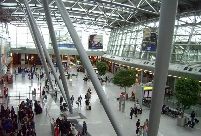 Вид терминала изнутри