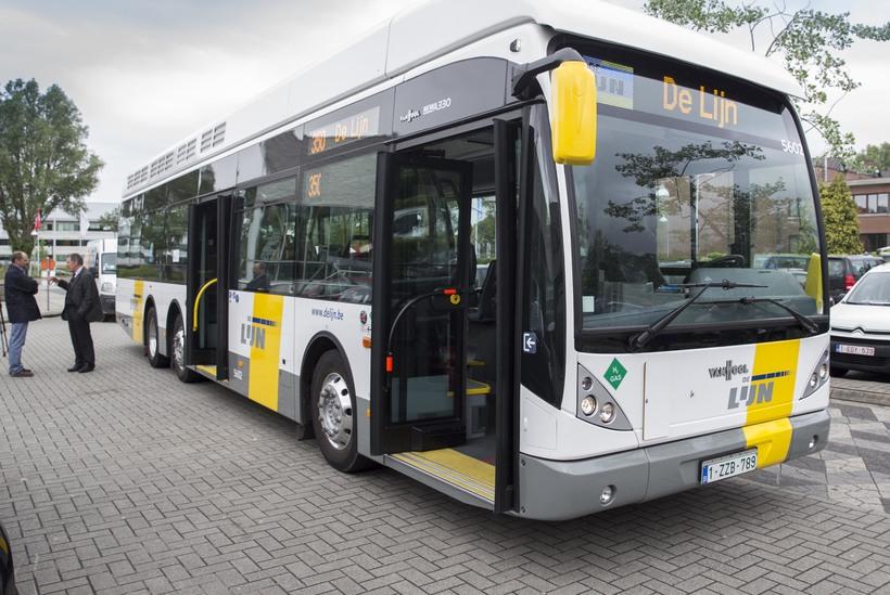 Автобусы фирмы De Lijn довезут из аэропорта до города
