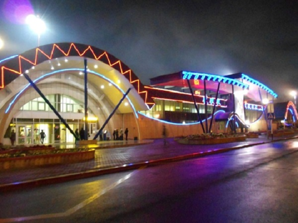 Аэропорт ночью