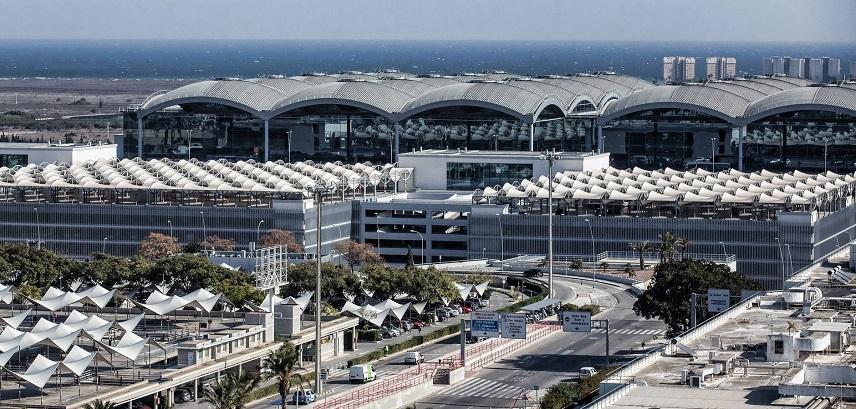 Аэропорт Аликанте-Эльче, вид снаружи