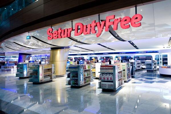 Магазин Setur Duty Free в воздушном порту Сабиха Гекчен