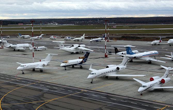 Стоянка самолетов в махачкалинском воздушном порту